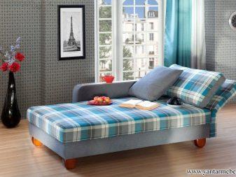Дивани зі спальним місцем в маленьку кімнату: компактні моделі і механізми трансформації для малогабаритних квартир, поради з вибору