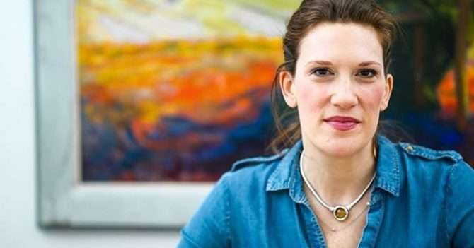 Морра Ааронс-Меле: «Я уволилась с девяти работ до своего 30-летия, и каждый день рыдала на полу в ванной»