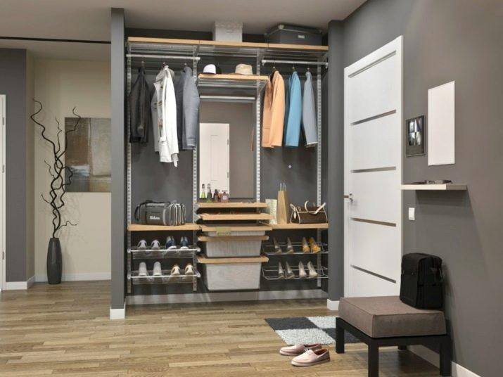 Обувница з дзеркалом в передпокій (21 фото): як вибрати вузький дзеркальна шафа для взуття? Види галошниц і тумб з дзеркалом