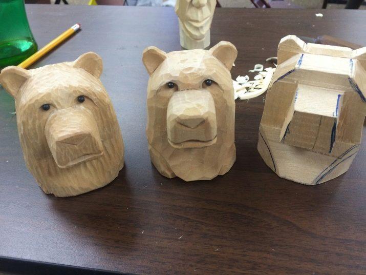 Різьблення ведмедя з дерева: як вирізати покроково фігуру, голову, ведмежу лапу і інші частини, поетапна технологія та обробка